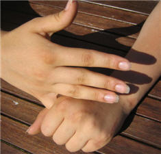 Finger hold for trying